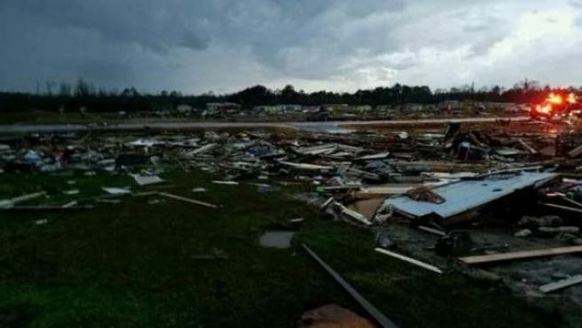 Destrozos en Georgia por la brutal tormenta.