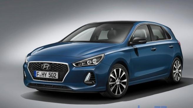 El nuevo i30 reemplaza al de 2012, que fue ligeramente renovado en 2015. De momento, Hyundai solo ha informado de la versión de cinco puertas, pero a lo largo de este año presentará otras dos: familiar y fastback. Más información del Hyundai i30 y ficha técnica de los anteriores modelos del Hyundai i30.