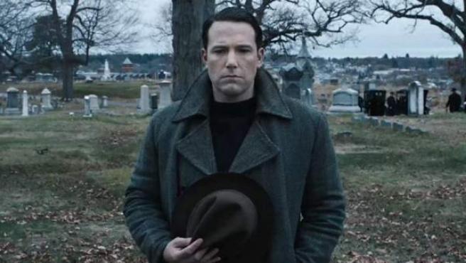 Ben Affleck en la película 'Vivir de noche'.