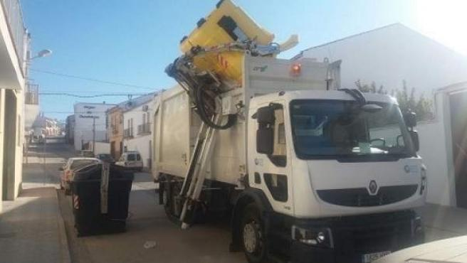 Uno de los camiones de recogida de residuos.