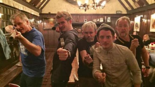 Viggo Mortensen, Orlando Bloom, Dominic Monaghan, Elijah Wood y Billy Boyd, reunidos por el 15 aniversario de 'El señor de los anillos'.