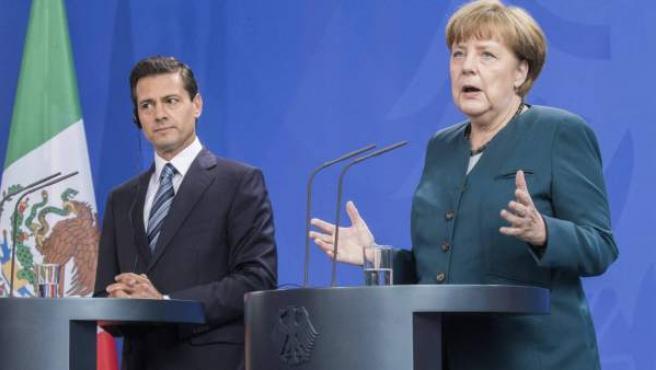 La canciller alemana Angela Merkel y el presidente de México, Enrique Peña Nieto, en abril de 2016.