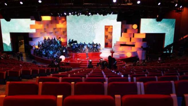 Vista del escenario de los Premios Goya varias horas antes de la celebración de la gala.