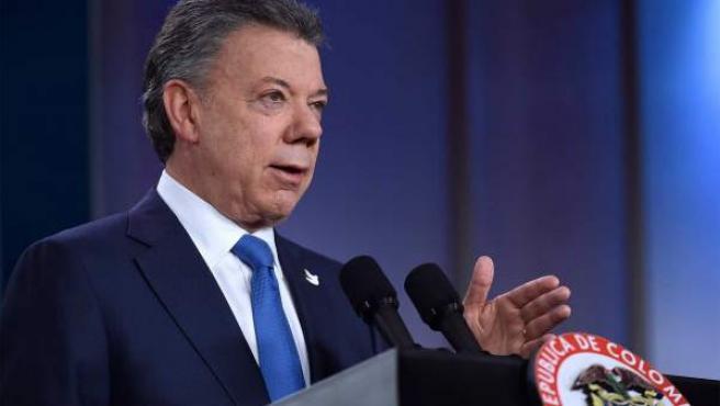 El presidente de Colombia, Juan Manuel Santos, ante la prensa.