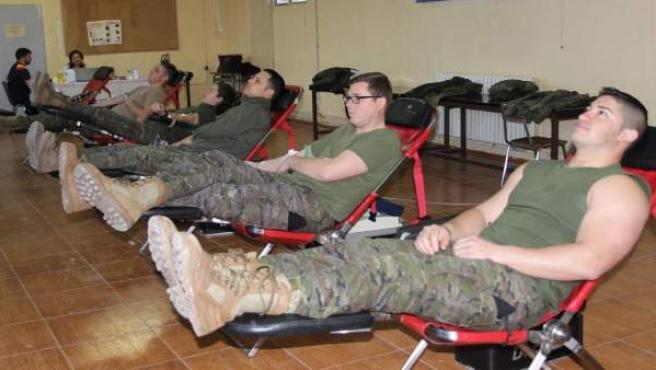 Donación de efectivos de la base San Jorge de Zaragoza del Ejército de Tierra