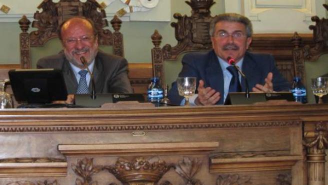 El exalcalde de Valladolid Javier León de la Riva, junto a Manuel Sánc