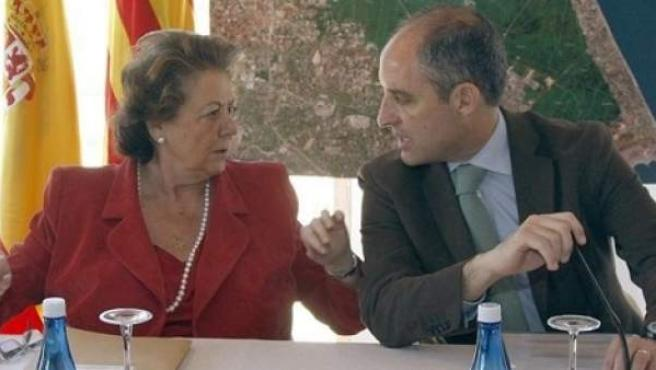 La exalcaldesa de Valencia Rita Barberá y el expresidente de la Generalitat Valenciana Francisco Camps en una imagen de archivo.