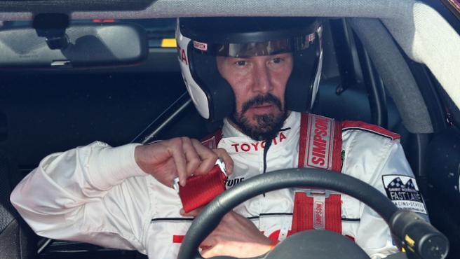 Olivier Megaton convertirá a Keanu Reeves en piloto de carreras