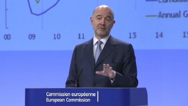 Pierre Moscovici, durante la presentación de las previsiones económicas de invierno de la CE.