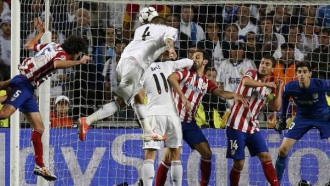 Gol de cabeza de Sergio Ramos al Atlético en la final de la Champions.