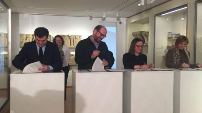Firma del protocolo entre la Xunta y el Ayuntamiento de Santiago
