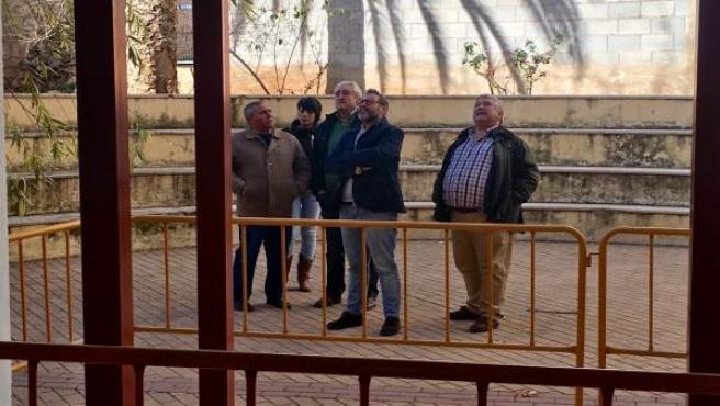 Valdielso (c) visita los trabajos viviendas del parque público de la Junta.
