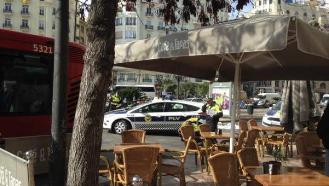 Una mujer fallece atropellada por un autobús en València