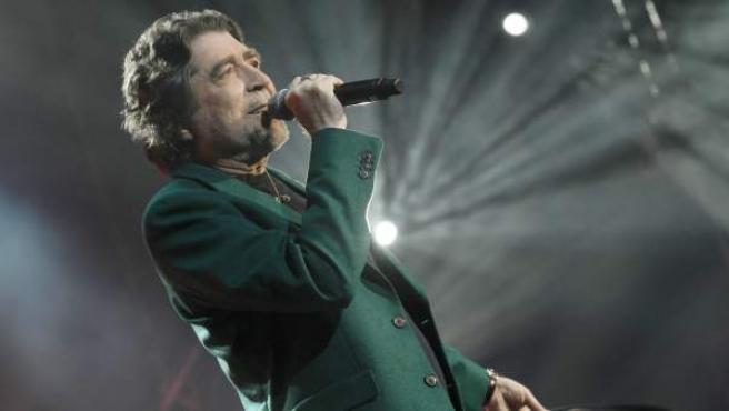 El cantautor Joaquín Sabina, en un directo.