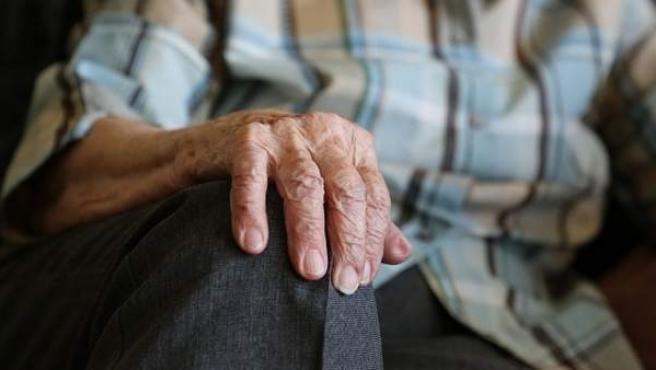 """Hallan un """"interruptor"""" genético que podría ayudar a prevenir los síntomas de la enfermedad de Parkinson."""
