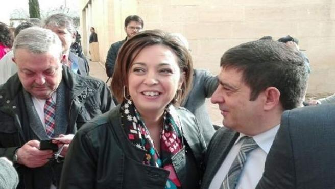 La alcaldesa de Córdoba en el casco histórico, junto al CRV
