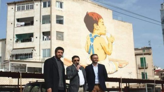 Inauguración del mural de 'street art' junto a la estación de Tren de Sóller