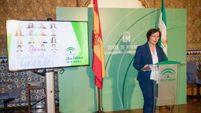 Fernández anuncia los distinguidos este año en Almería por el Día de Andalucía