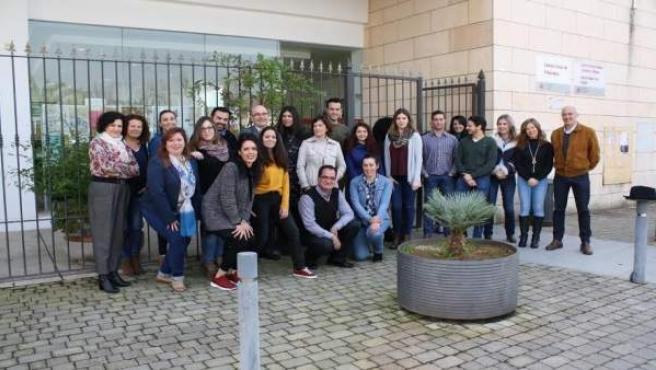 Carmona (centro), junto a participantes y técnicos