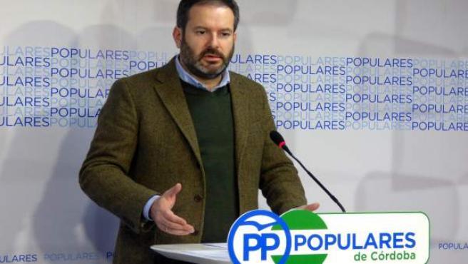 Adolfo Molina en la sede del PP