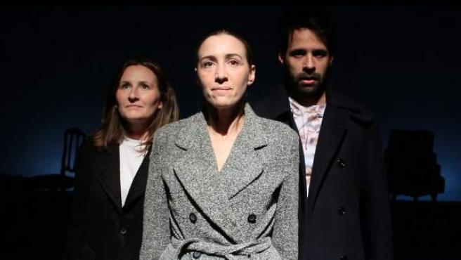 Elena Corral, Laura Lorenzo y Antonio Lafuente durante una escena de la obra 'Moscú (3.442 Km)'.