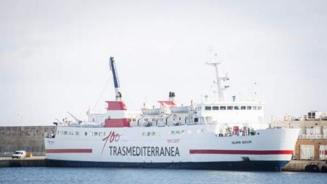 El buque 'Nura Nova' de Transmediterranea
