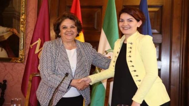 La delegada de Economía, Carmen Castreño, y la presidenta de AEDI