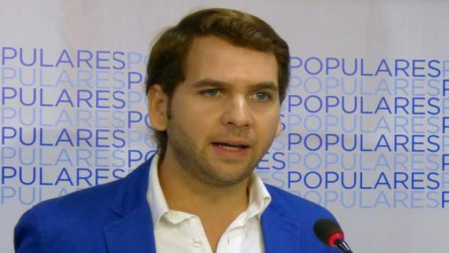 El alcalde de Cabra, Fernando Priego, en rueda de prensa