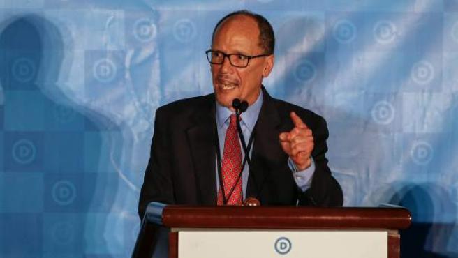 Los miembros del Comité Nacional Demócrata (DNC) eligieron como líder al hispano Tom Perez.