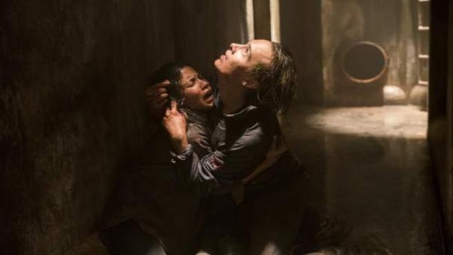 Frank Dillane as Nick Clark, Danay Garcia as Luciana - Fear the Walking Dead _ S