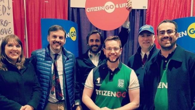 Ignacio Arsuaga (segundo por la izquierda), junto a miembros de CitizenGo durante los actos de la Marcha por la Vida en Washington, en enero de 2017.