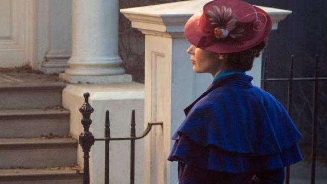 Primera imagen de Emily Blunt como protagonista en el 'remake' del clásico de Disney Mary Poppins.