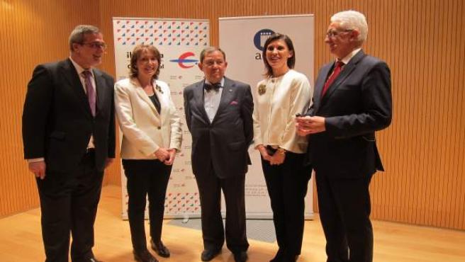 Fuente, Farré, Gato, Bernués y Carnicer en la presentación de la AEP en Aragón