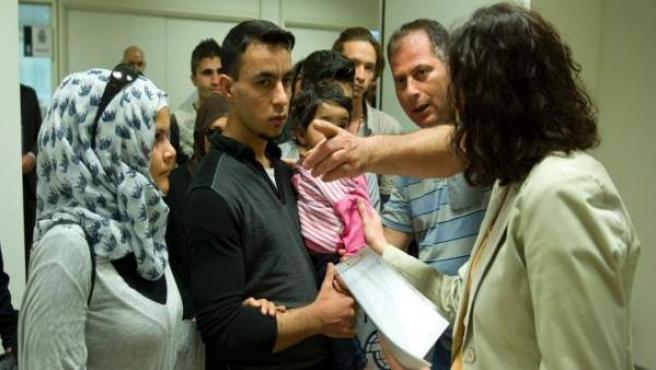 Un grupo de refugiados llega a España.