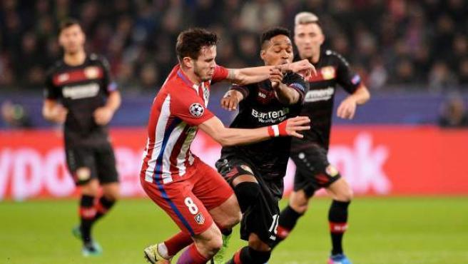 Saúl y Wendell en el Bayer Leverkusen - Atlético.