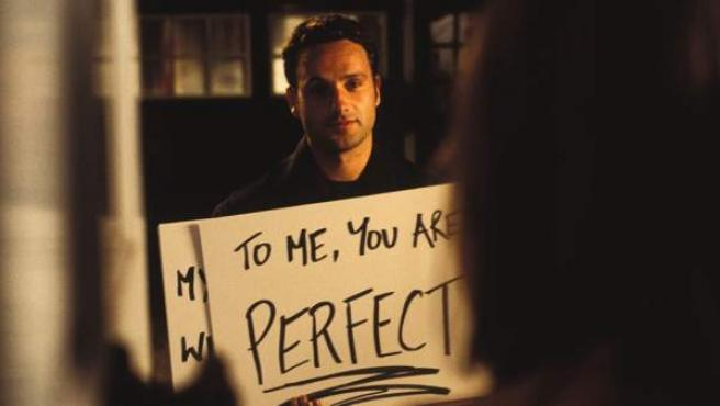 Andrew Lincoln se declara a Keira Knightley en la película original de 'Love Actually'.