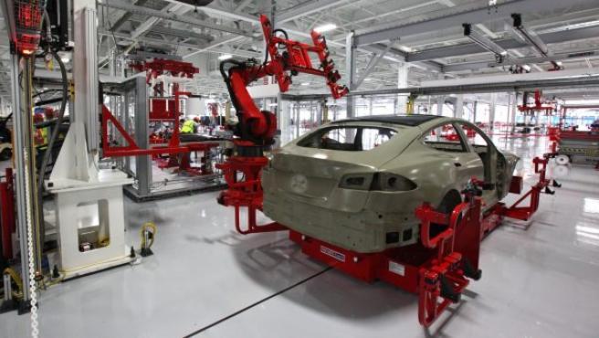 El compromiso de la compañía es fabricar medio millón de coches al año, lo que supone un volumen de manufactura seis veces superior al que hay ahora de unas 84.000 unidades anuales.