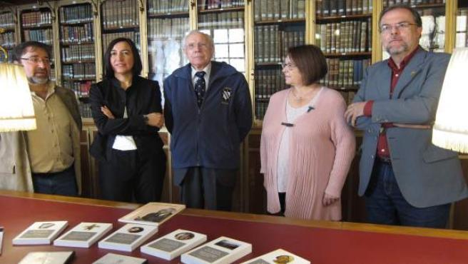 Carmelo Lisón ha entregado hoy una copia de su archivo a la DPZ