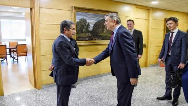 Revilla con embajador ruso