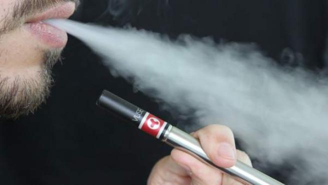 Vapear se ha convertido en la gran alternativa de fumadores que quieren alejarse del cigarrillo.