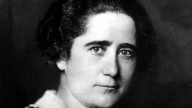 Retrato de la escritora, abogada y política Clara Campoamor, una de las mayores impulsoras del voto femenino en España.