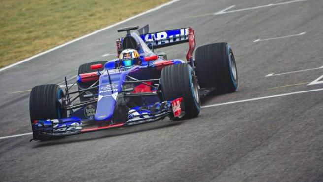 El Toro Rosso, en acción en Montmeló.