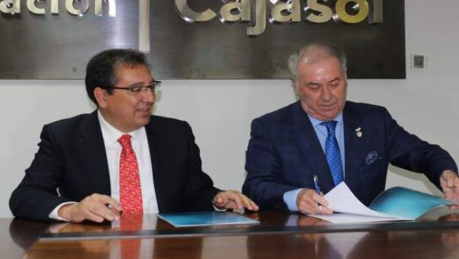La Fundación Cajasol reafirma su apoyo con la Semana Santa de Huelva.