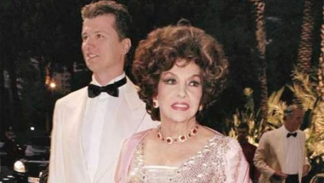 Javier Rigau y Gina Lollobrigida, en una imagen de archivo.