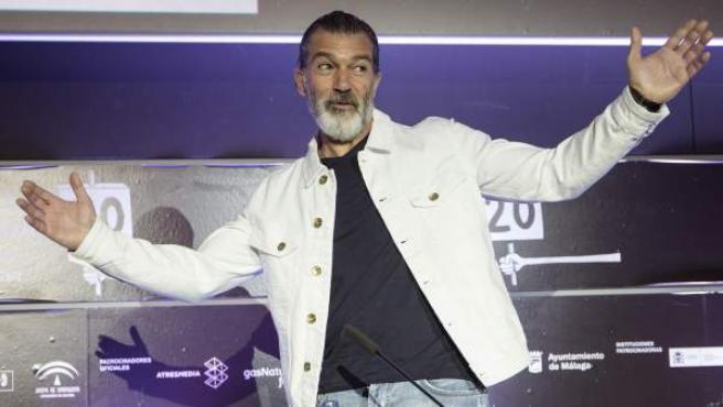 El actor Antonio Banderas durante la rueda de prensa que ha ofrecido tras haber recibido una Biznaga de Oro honorífica en el 20º Festival de Cine en Español de Málaga.