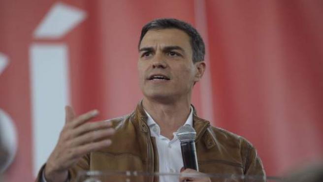 El candidato a las primarias del PSOE, Pedro Sánchez, en un acto en Burjassot
