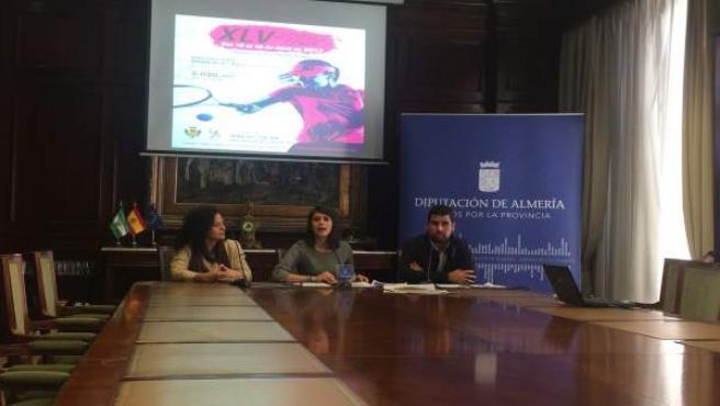 La diputada de Deportes ha presentado este histórico torneo de tenis femenino.