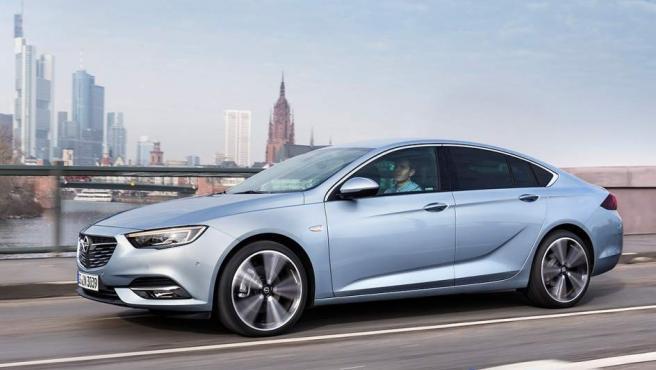 El nuevo Opel Insignia es más grande que la mayoría de modelos alternativos, y también más largo que la versión anterior, de 2014.