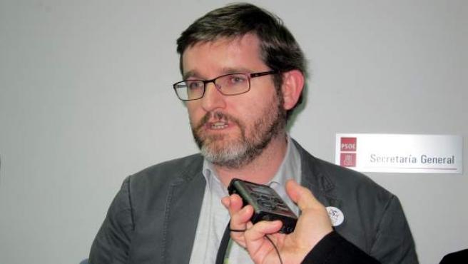 Ignacio Urquizu atiente a los medios en Salamanca.