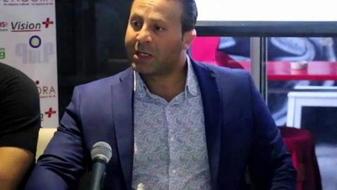 El director tunecino Karim Belhadj interviene en un coloquio, durante un festival de cine en su país.